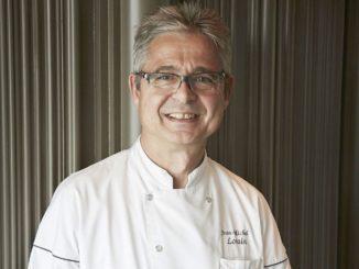 ריב גוש היא המסעדה העממית של השף ז'אן מישל לוראן מעבר לנהר מול המסעדה הידועה שלו בעלת 3 כוכבי מישלן. צילום מהאתר