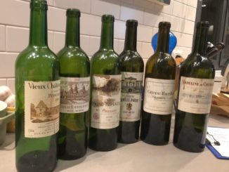 מרתון יינות קלאסיים מיקבים מהשורה הקדמית של יינות בורדו, כולם מבציר 2006. צילום יגאל ברנע