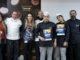 השפים של בית הספר ואסם נסטלה פרופשיונל עם זוכי התחרות: נעם וקנין (מימין ביניהם) ויהונתן חייט. צילום סשה פליט