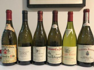 שאטונף דו פאפ (Châteauneuf-du-Pape) - האפלסיון היותר איכותי מבין יינות דרום הרון. צילום יגאל ברנע