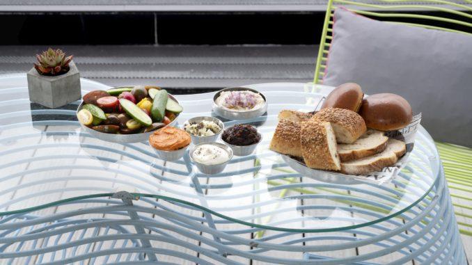 בימי שישי בין השעות 10:00-16:00 מציעים כאן ארוחות בראנץ' תמורת 95 שקלים לסועד. צילום טל אזולאי