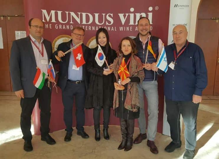 יאיר קורן (מימין) ושופטים בתחרות Mundus Vini