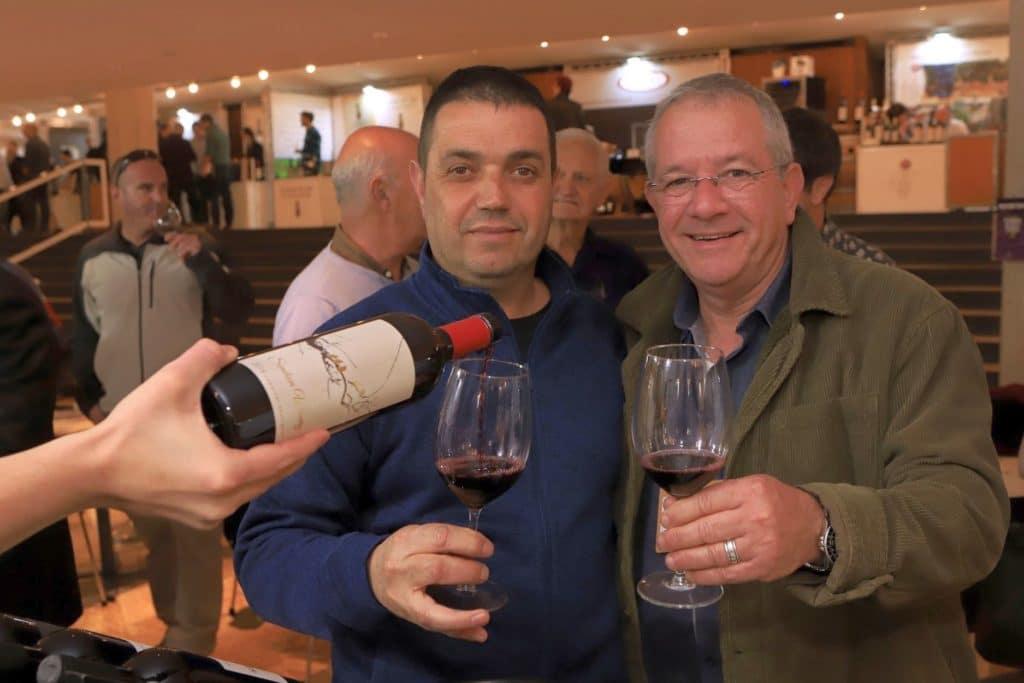 """צחי דותן מנכ""""ל מועצת גפן יין והכורם-יינן ברוך לגזיאל מיקב שמחון. צילום דוד סילברמן dpsimages"""