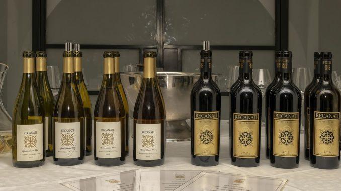 השקת יינות הדגל רקנאטי ספיישל רזרב לבן 2017 ורקנאטי ספיישל רזרב אדום 2016 ולצדם יינות ספריה. צילום איל גוטמן