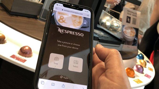 חוויית משתמש בה יוכלו הצרכנים להדפיס על גבי המשקה כל תמונה או משפט לבחירתם. צילום ריפלז