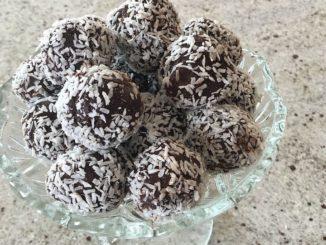 כדורי שוקולד הם פשוטים ומהירים להכנה. יש אינסוף אפשרויות לשדרג אותם ולהפתיע את הסועדים